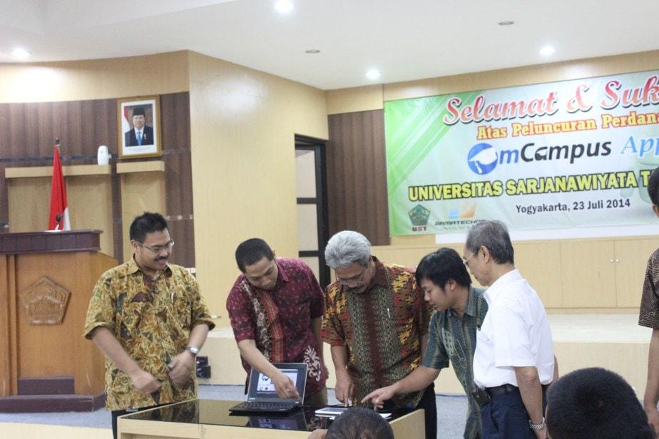 Launching mCampus Bersama UST