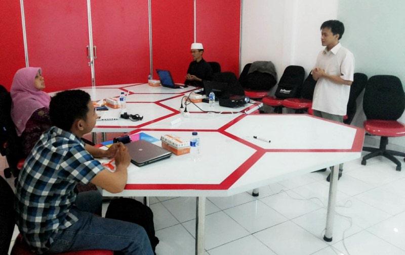 Sistem Informasi Perizinan Untuk KPDE Jambi