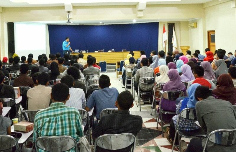 Berbagi di Universitas Teknologi Yogyakarta