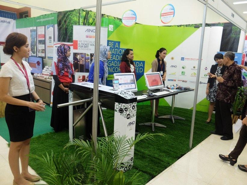 Pengenalan mCampus di UGM Expo